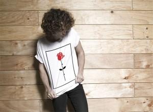 single-rose-tee